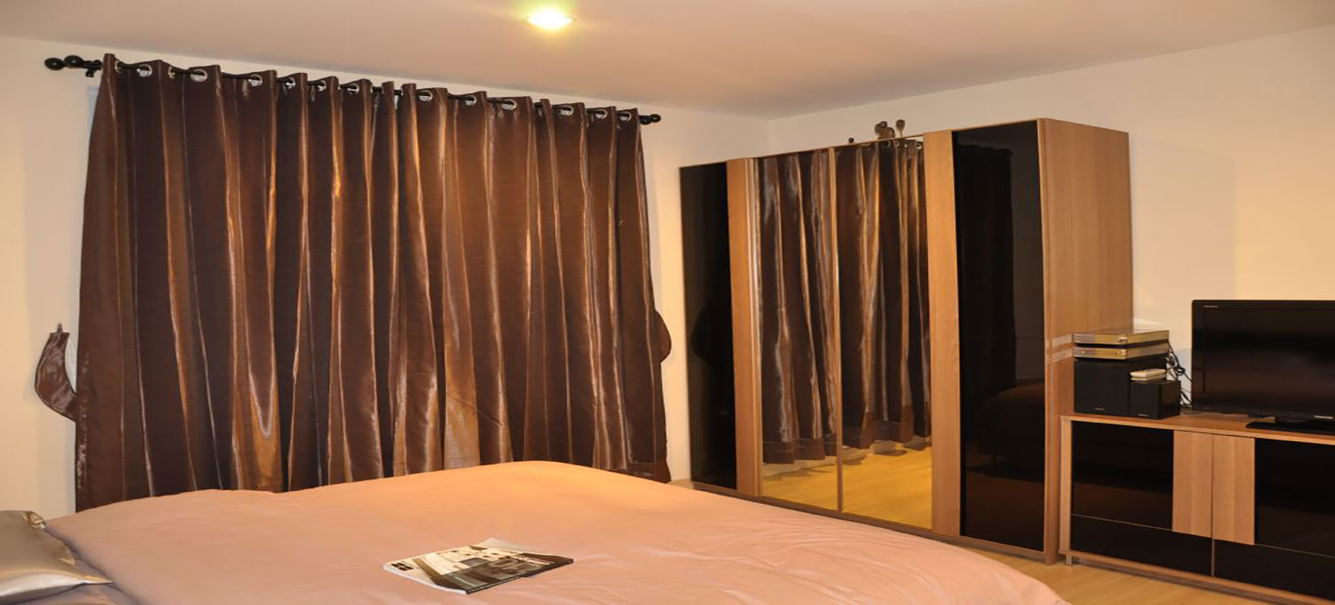 Life-Sathorn-10-Bangkok-condo-2-bedroom-for-sale-photo-1
